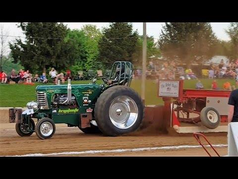 Farm Stock & Interstate Tractor and Semi Truck Pull at