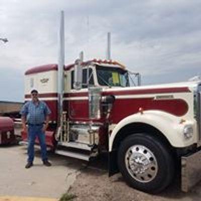 Hillbilly Deluxe Truck Show