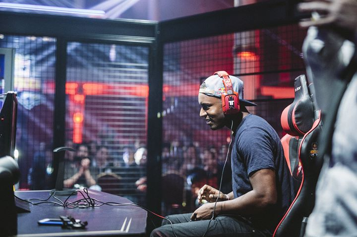 Come Play Street Fighter With Snake Eyez