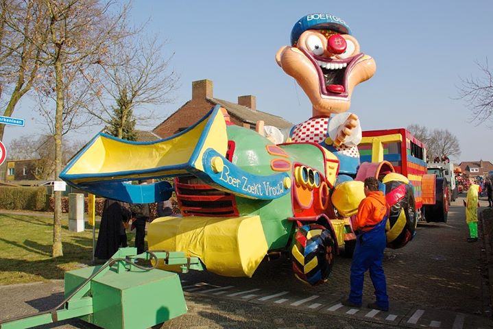 Carnavals optocht cv de Verkuskoppe Langenboom at Langenboom
