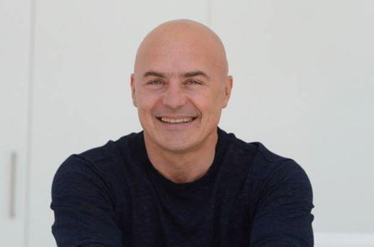 Luca Zingaretti in La Sirena