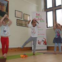 3-8 Years Family Yoga Class Oadby