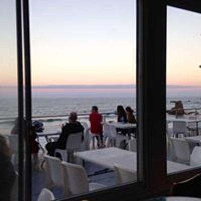 Flynns Beach Surf Club Bar