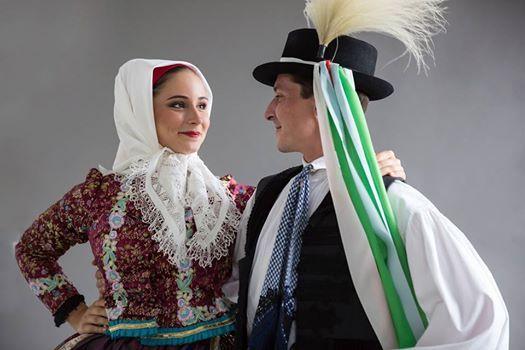 Magyar llami Npi Egyttes Aranyba tncolva
