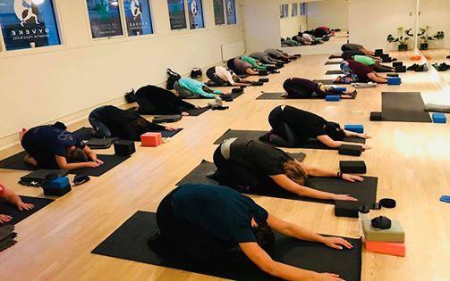 UDSOLGT. For-rs-Kur Workshop med YinYang Yoga og meditation