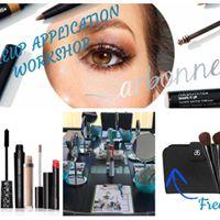 Makeup Master Class - Natural Look with Enhanced Eyes