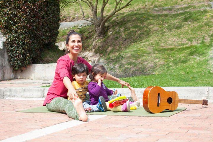 Bamboo Kids Msica en vivo yoga y diversin para la familia