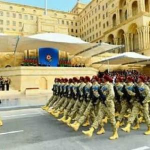 Azrbaycan Ordusunun 100 illiyi il bal mhtm hrbi parad