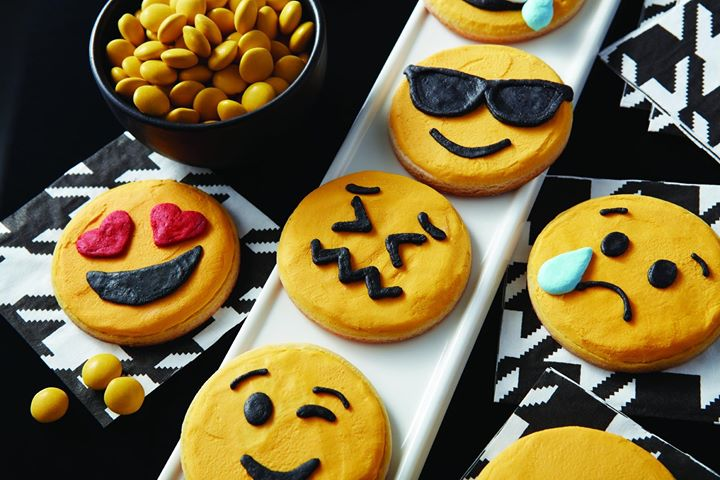 Cake Decorating Class Kitchener : Wilton Emoji Cookies Class at Michaels, Waterloo