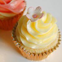 Cupcake Class - Buttercream &amp Simple Sugar Flowers