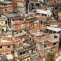 Brechas Urbanas  O espao da loucura na cidade