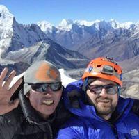 Island Peak 6189m si Everest Base Camp 2189 euro (18 zile)