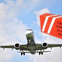 Evento para descobrir e entender porque a CAIXA PRETA do avio  no  chamada de CAIXA LARANJA