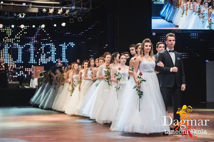 4646a6ecaa3 Bílá prodloužená TŠ Dagmar 2017 at Bobycentrum - Brno
