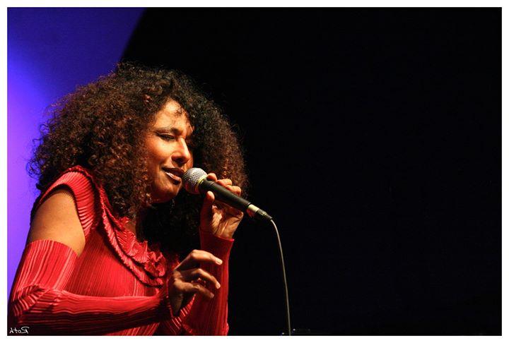 Mariannick St-Cran - We Want Nina  Jazz sur la Ville