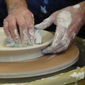 Ceramics throwing tiles and press moulds taster (mar)