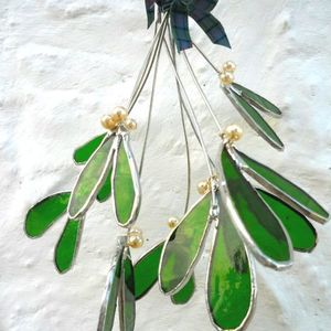 Fully Booked - Make 6 springs of mistletoe in stained glass and copper foiling with Caron King
