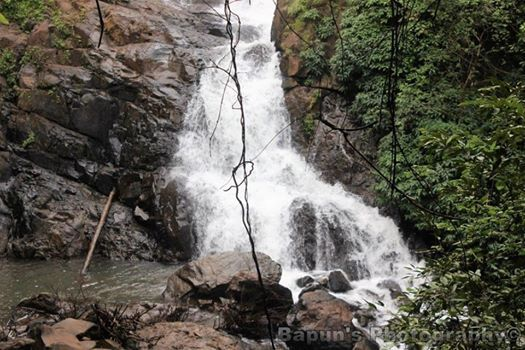 Trikon 1527 Tambdi Surla Waterfall Trek