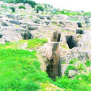 Tuvixeddu la necropoli punica pi grande nel Mediterraneo.