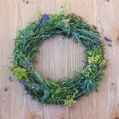 DIY Holiday Farm Wreath Making