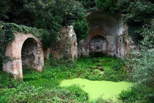 Ville di Roma La Valle della Caffarella Archeologica