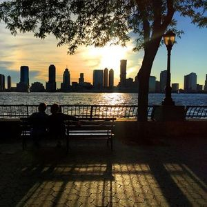 Battery ParkHudson River Singles Date Walk