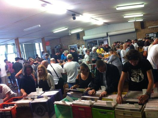 """""""Vinyl Affair"""" Record Fair - Hilton Bowling Club 2021 