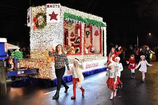 Chesapeake Christmas Parade 2019.Chesapeake Rotary Club Christmas Parade Chesapeake