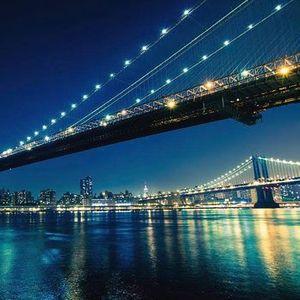 Singles Date Walk on the Brooklyn Bridge