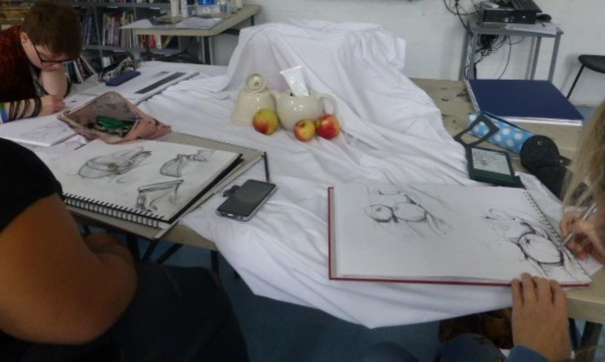 Hatch 19' Observational Drawing Classes