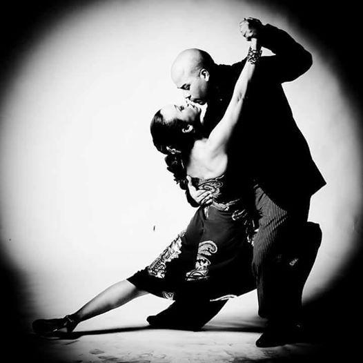 Mondays Tango by Cesar