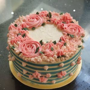 The Lifesaver Cake