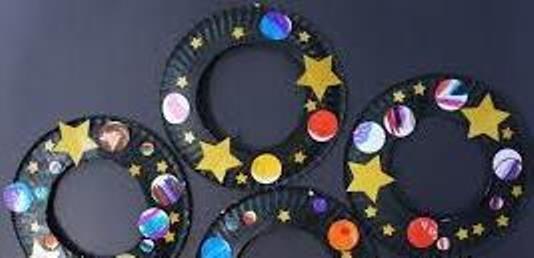 ArtBeat Make a space wreath