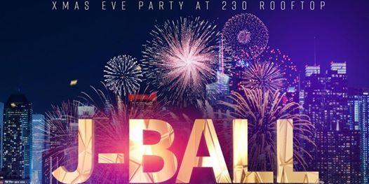 Xmas Eve 2019 at 230 5th Rooftop