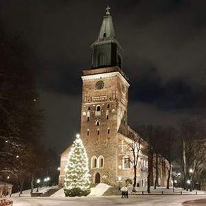 Bussilla Turun joulumarkkinoille