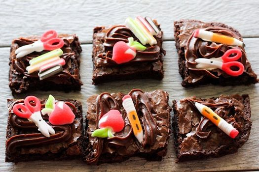 Cake Decorating: Back to School themed Pull Apart Brownies ...