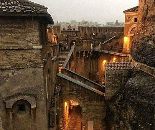 Allinterno di Castel SantAngelo - Ingresso gratuito
