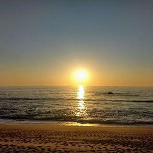 Fim do Vero Pr do sol Yoga na praia