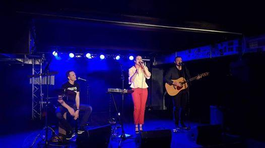 Louise Dubiel Trio i Skrup