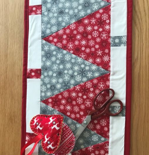 Christmas Table Runners To Sew.Sew A Christmas Table Runner At Find Tickets Cambridge