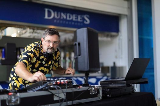 Dundee's Sunday Sesh at the Aquarium | Event in Cairns | AllEvents.in