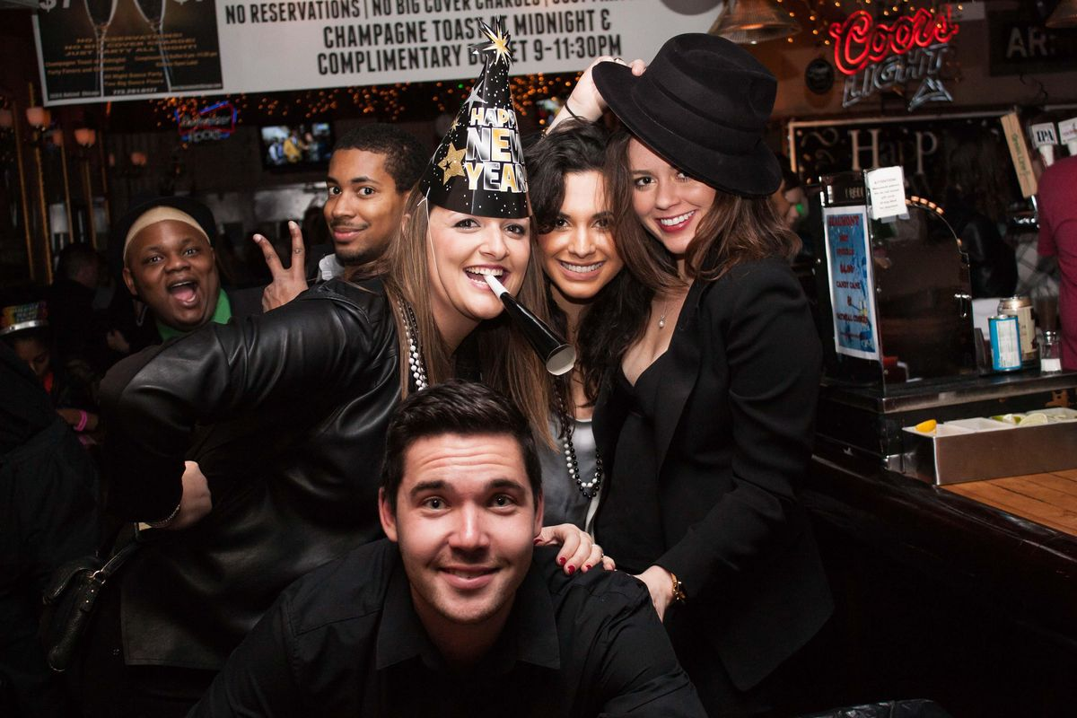 2021 Chicago New Years Eve (NYE) Bar Crawl, TBA (River North , Lincoln Park & Wicker Park Venues ...