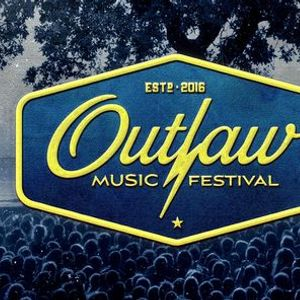 Outlaw Music Festival Feat. Willie Nelson & Family