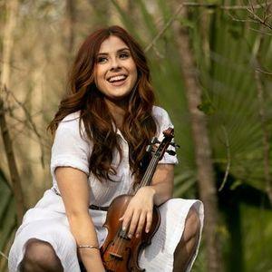 Amanda Shaw at Oaktree House Concerts