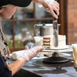 Cake Decorating with Scratch Bakeshop