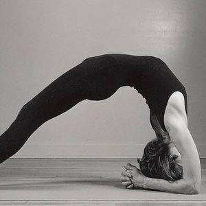 Saturday am Yoga Vinyasa class - mixed ability