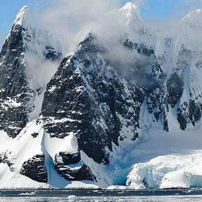 A Virtual Tour of ANTARCTICA Including the South Pole