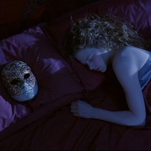 UDSAT MRKEKAMMERATER PRSENTERER EYES WIDE SHUT