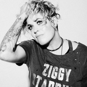 Amy Wadge live at Gorilla Manchester