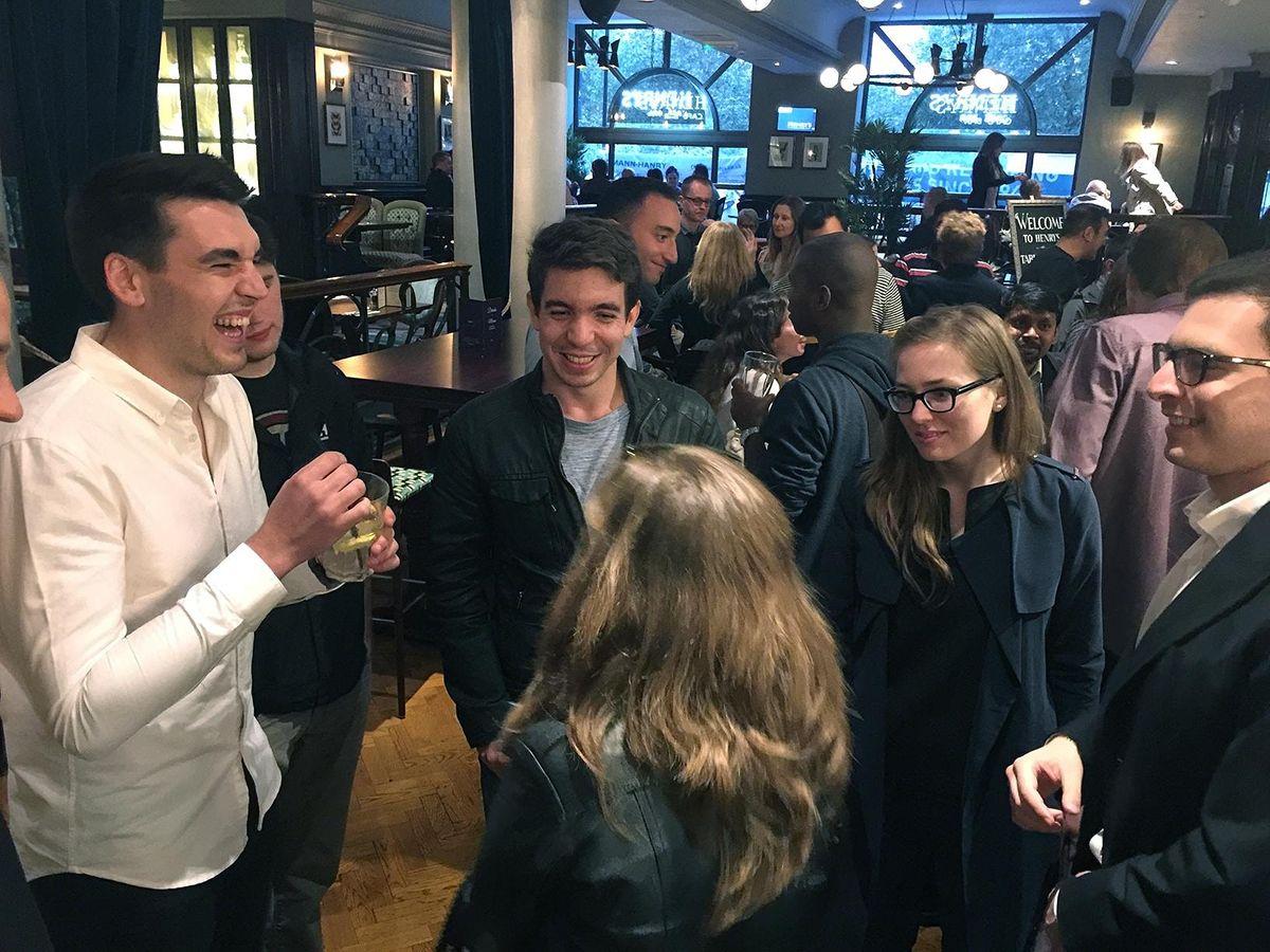 DRINKS SOCIAL Meet New Cool Friends )